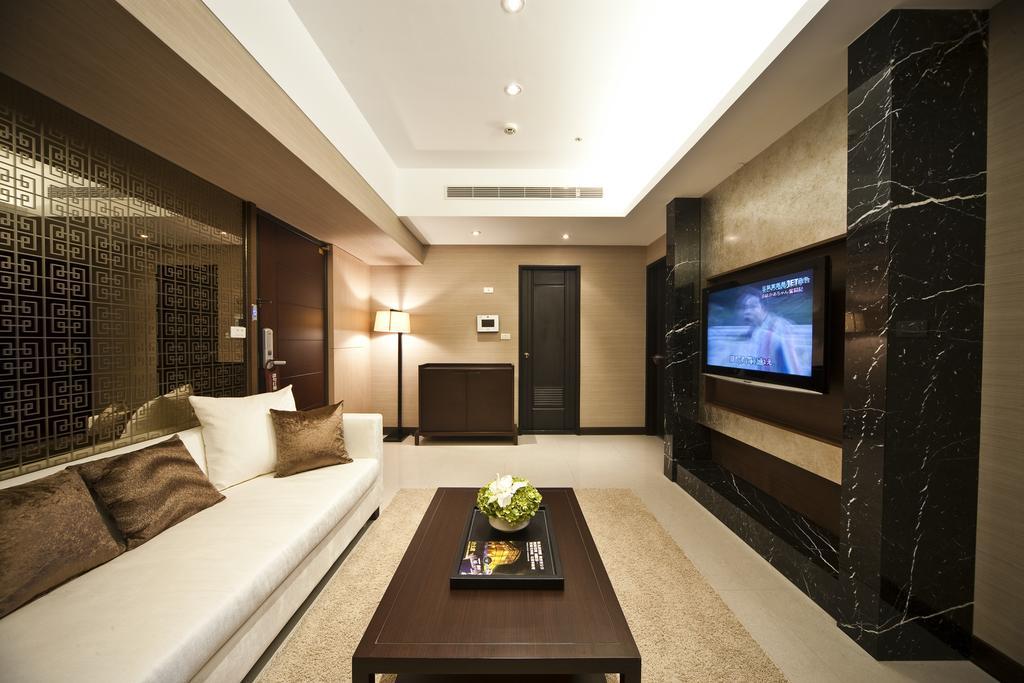 Service Apartment0